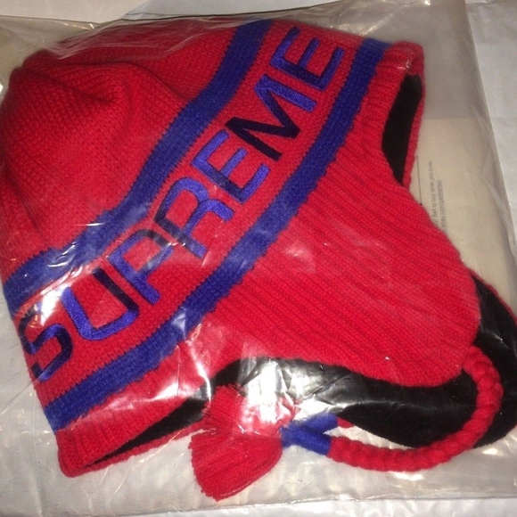 28c862fdc51 Supreme Earflap Beanie hat fw 2016 RED Winter KNit.  M 5b315b2a9fe4867110d22250